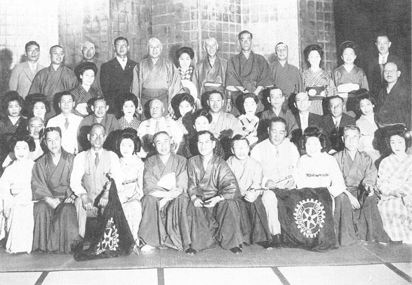 設立当時の懇親会
